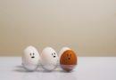 как сварить яйцо в микроволновке всмятку