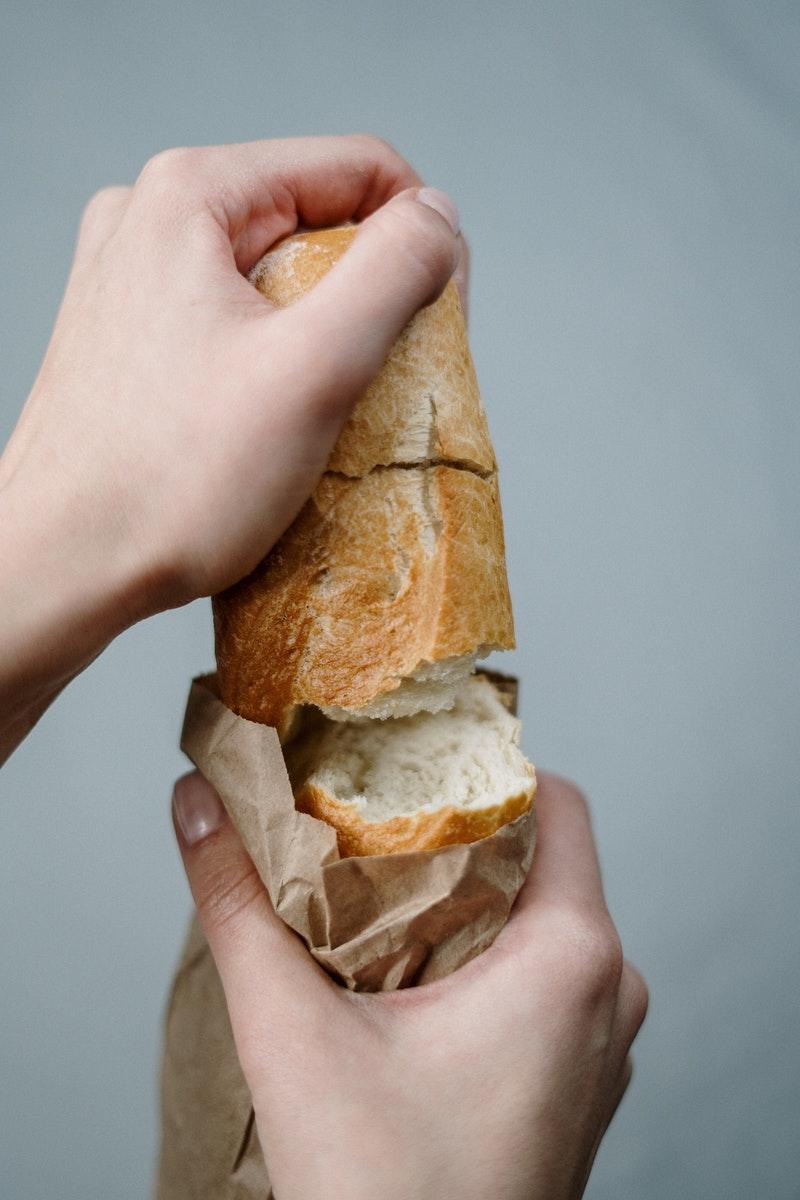 почему быстро плесневеет хлеб